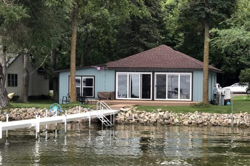 Lake Sallie Trendy Cottage
